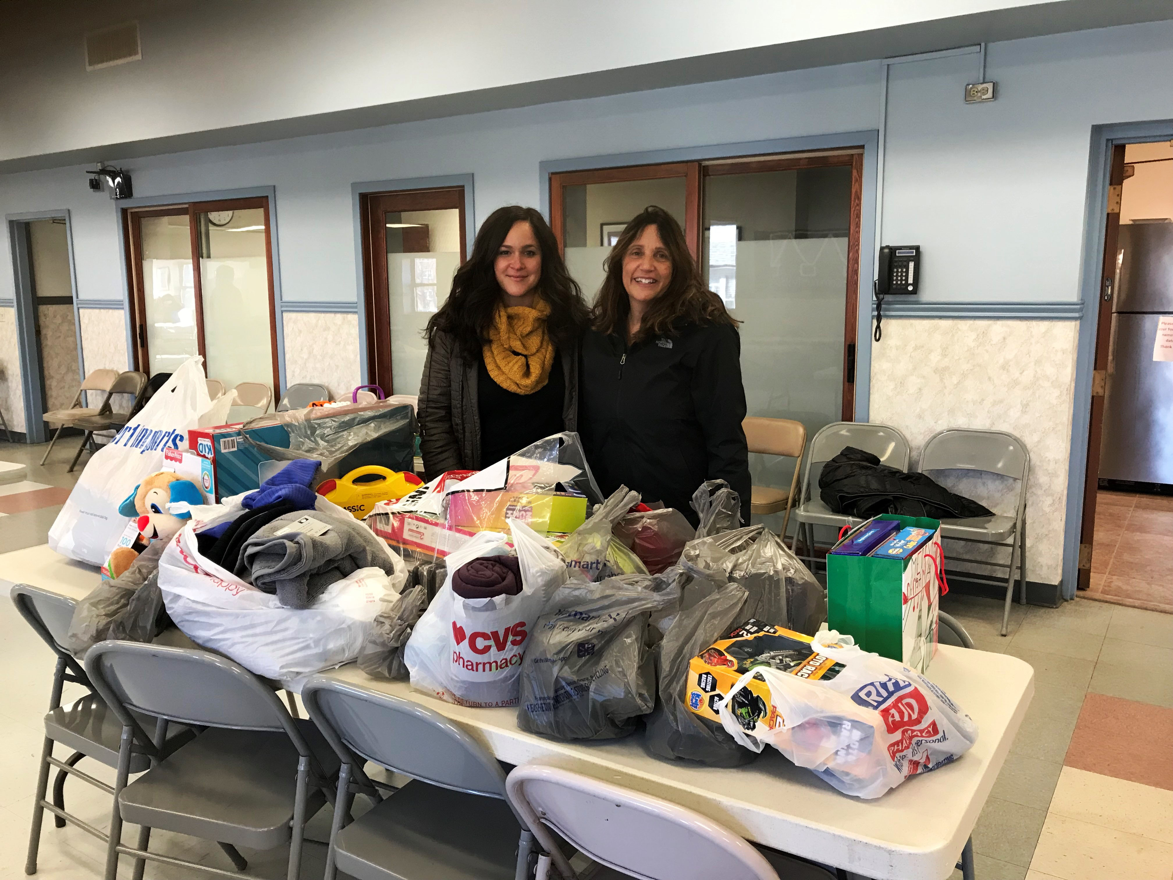 Donations overwhelm Community House staff