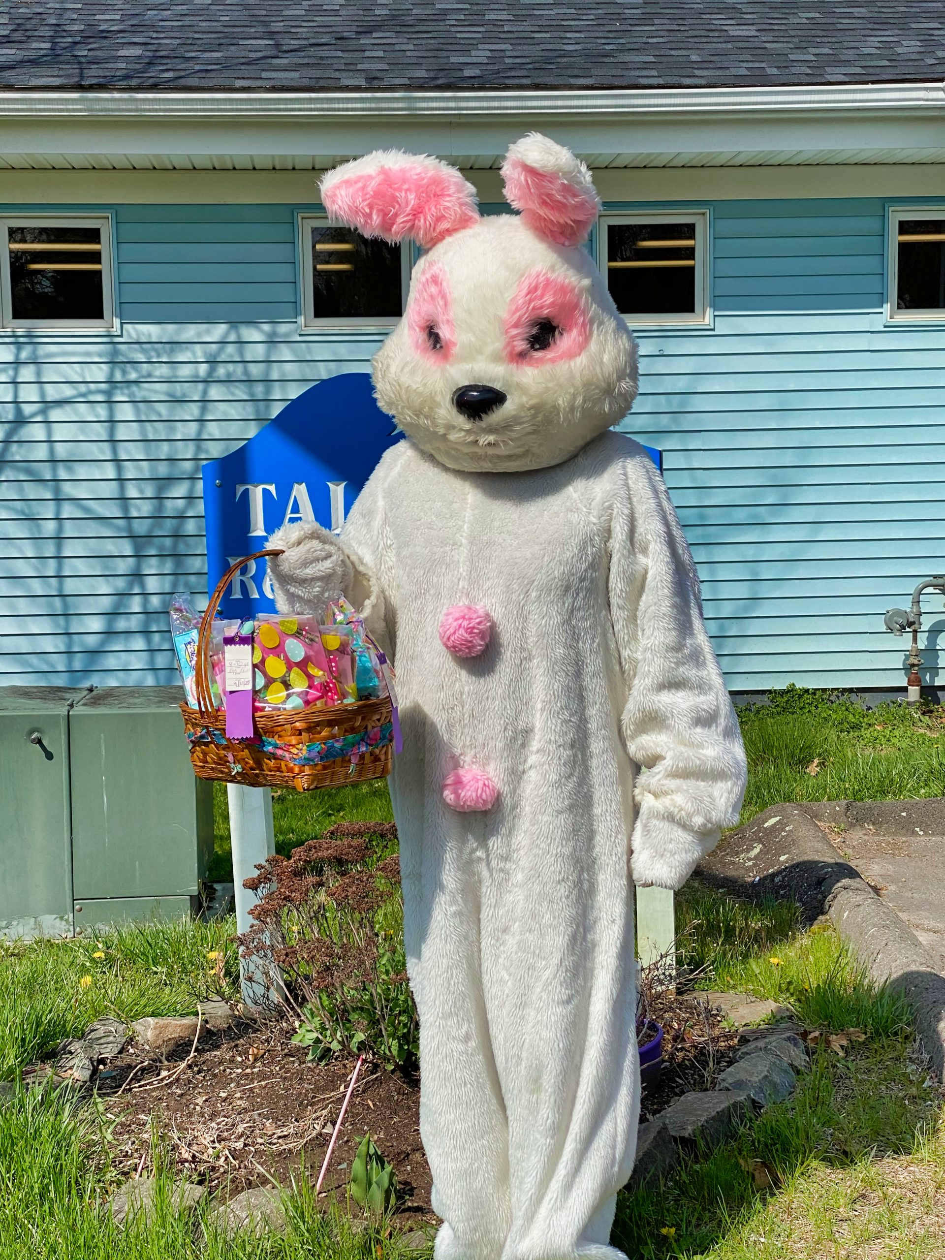Easter Bunny delivers candy